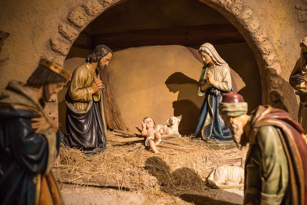 Kleinbettingen creche nativity golf betting games for three people